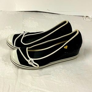 Roxy wedge canvass shoes black & white size 10